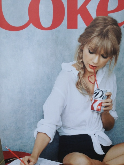 taylor_swift_diet_coke_campaign_4YAtMBUg.sized